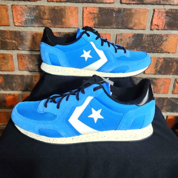 NWT Mens Converse Auckland Racer OX Suede Shoes